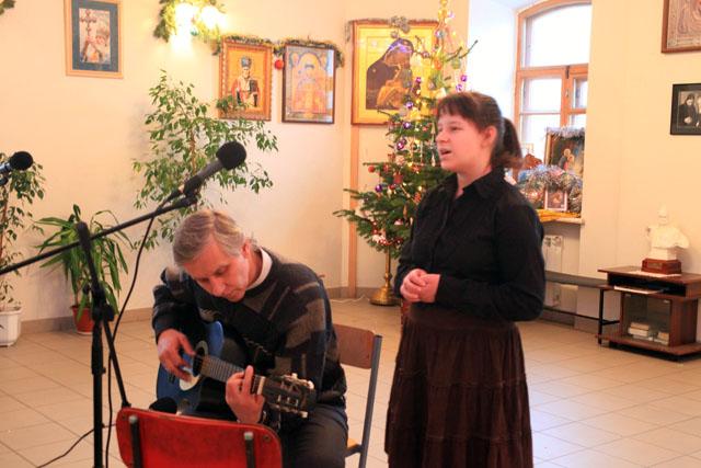 Выступление Ушановой М.А. под гитару